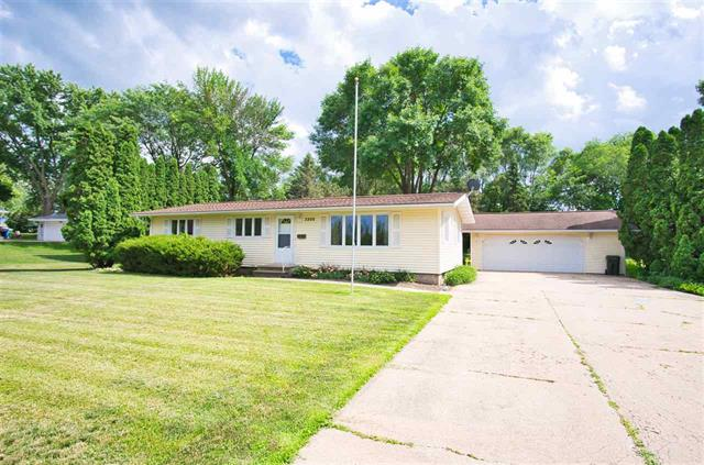 3200 E. Shaulis Rd. Waterloo, Iowa | Home for Sale