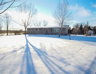 Acreage for Sale | 1530 Dakota Ave. Waverly, Iowa | Huff Land Company