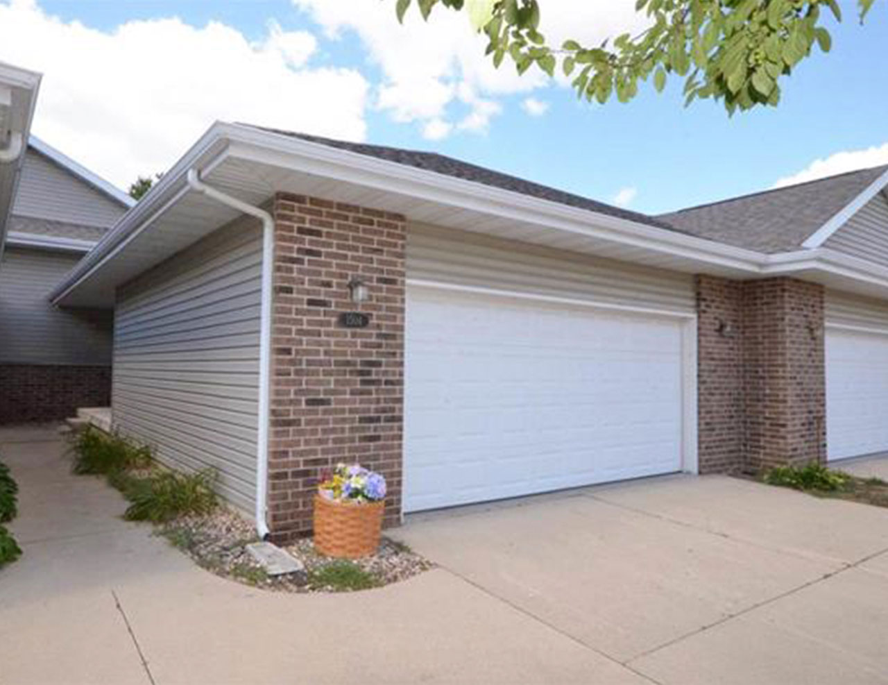 1504 Aspen Dr. Waterloo Home for Sale